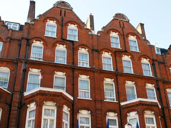 Best Western Burns Hotel is situated in a prime location in Earls Court close to Natural History Museum