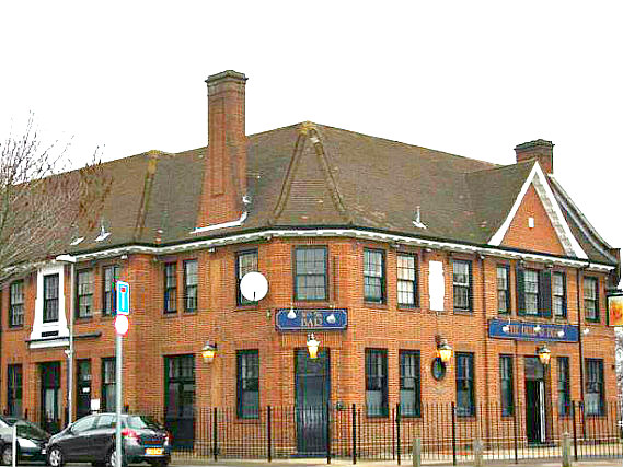 Bull and Bush Hotel is situated in a prime location in Kingston close to Richmond Park