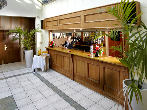 Bar at Best Western Cumberland Hotel