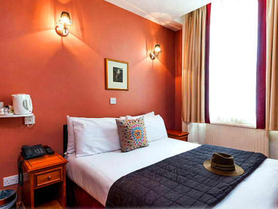 A double room at Craven Hotel is perfect for a couple