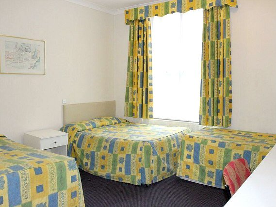 Quad rooms at Grantly Hotel London are the ideal choice for groups of friends or families