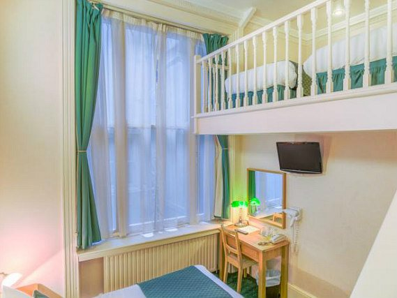 The London Town Hotel is perfect for you and your family, no matter how large!