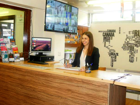 Kensal Green Backpackers has a 24-hour reception so there is always someone to help
