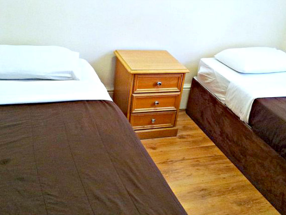 A twin room at Kensal Green Backpackers is perfect for two guests
