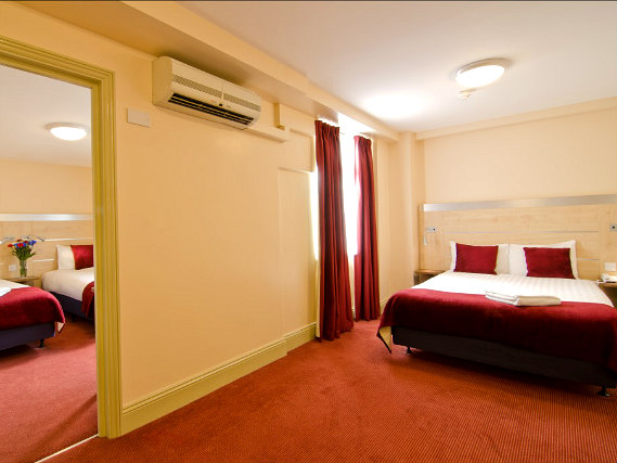 Quad rooms at Comfort Inn Edgware Road are the ideal choice for groups of friends or families