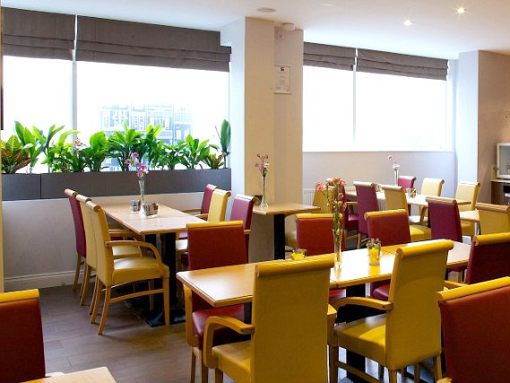 A place to eat at Comfort Inn Edgware Road