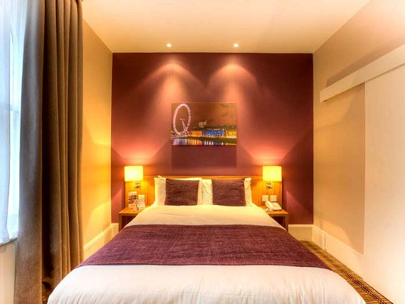 Get a good night's sleep in your comfortable room at Comfort Inn Kings Cross