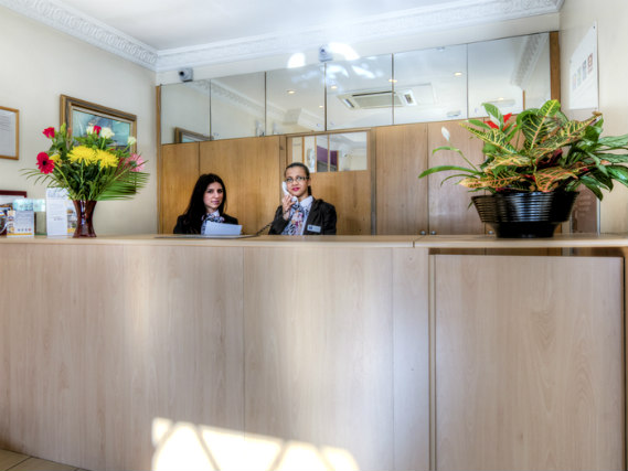 Comfort Inn Kings Cross has a 24-hour reception so there is always someone to help