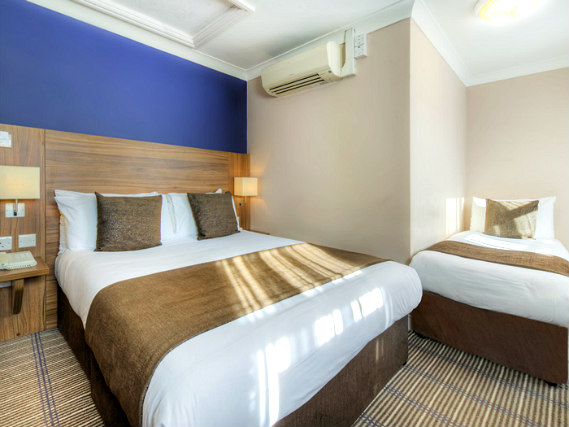 Triple rooms at Comfort Inn Kings Cross are the ideal choice for groups of friends or families