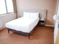 A double room at Comfort Inn London