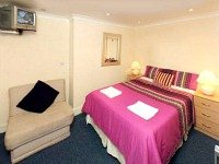All rooms at Kings Cross Hotel London are comfortable and clean