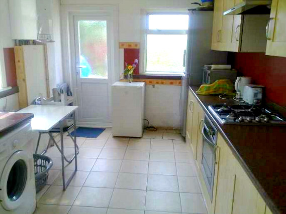 A large kitchen for you to prepare a light snack, much cheaper than eating out