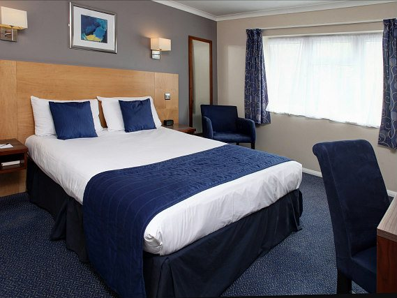 Get a good night's sleep in your comfortable room at Best Western Gatwick Skylane Hotel