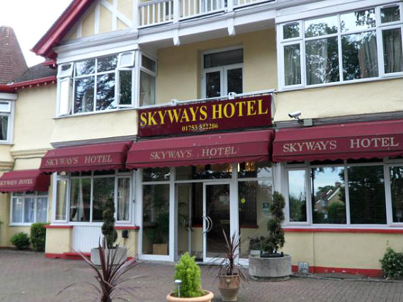 Skyways Hotel is located close to Eton College