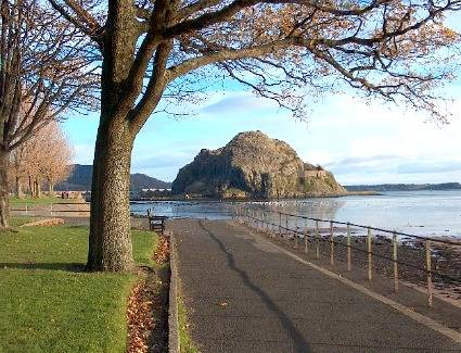 Book Bed and Breakfasts in Dumbarton
