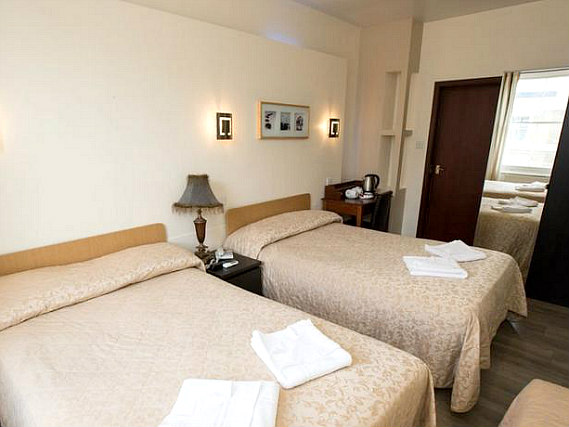 All rooms at Notting Hill Gate Hotel are comfortable and clean