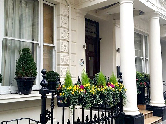 Notting Hill Gate Hotel is situated in a prime location in Notting Hill Gate close to Kensington Gardens