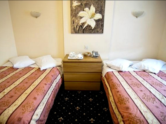 Quad rooms at Belmont Hotel London are the ideal choice for groups of friends or families