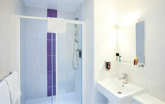 A typical bathroom at Ibis Styles London Croydon
