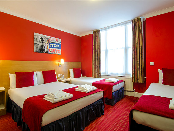 Quad rooms at Comfort Inn London - Westminster are the ideal choice for groups of friends or families