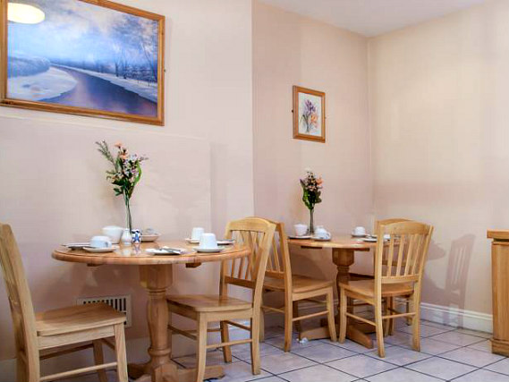 Un posto per mangiare a Normandie Hotel London