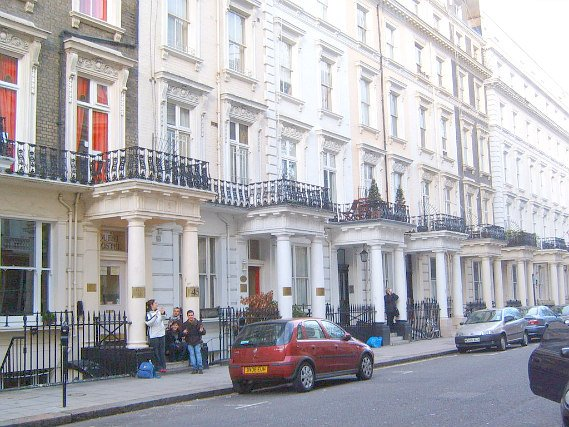Astor Quest Hostel is situated in a prime location in Bayswater close to Kensington Gardens