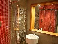 A typical shower system at Hyde Park Suites