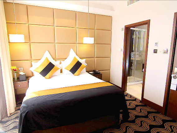 A double room at Shaftesbury Piccadilly Hotel