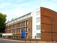 An exterior view of Comfort Inn London