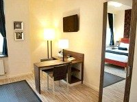 Most rooms have desks at the Comfort Inn London