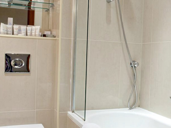 Relax in the private bathroom in your room at Paddington Court Rooms