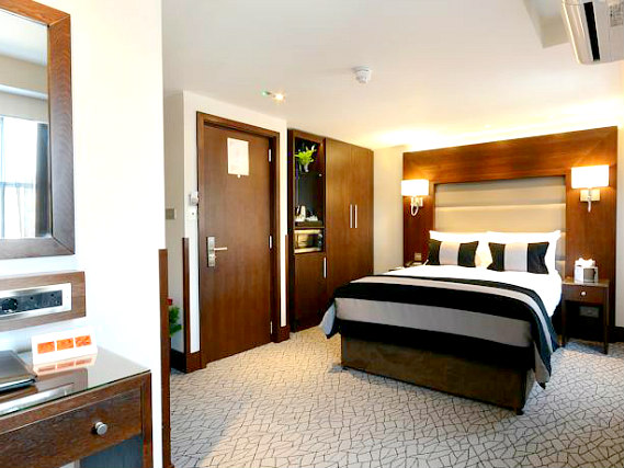 A double room at Paddington Court Rooms is perfect for a couple