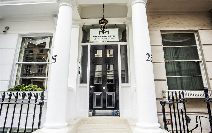 Entrance of Mornington Hotel London Victoria