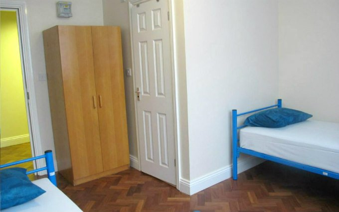 A typical twin room at Northfields Hostel London