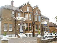 Channins Hounslow Hotel